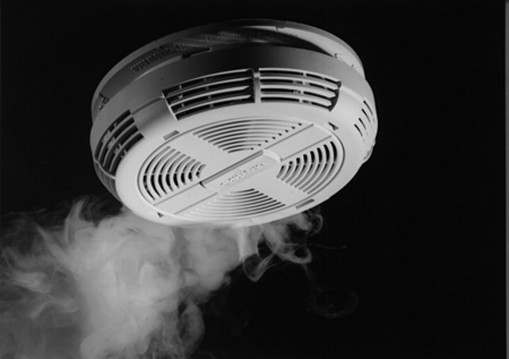 heat-and-smoke-detector-90581.jpg